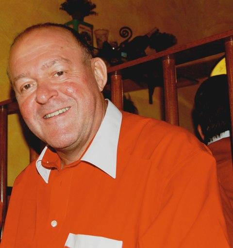 Roland Sager Präsident der FC Bayern München Fanclub Manila