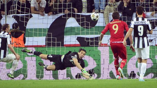 Juventus-FCB Mandzukic zum 0zu1 .10.402913