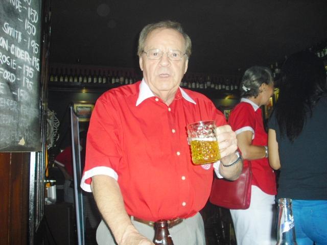 Hartmut ex Wirt im Cafe Deutschland
